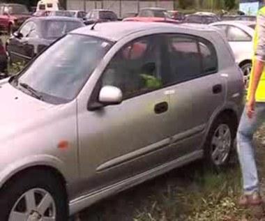 Stołeczni policjanci znaleźli w komisie kradzione samochody