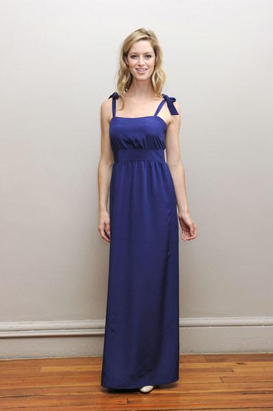 Suknia Simple Silhouette