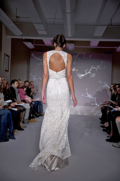 Suknia ślubna z kolekcji Jim Hjelm Blush
