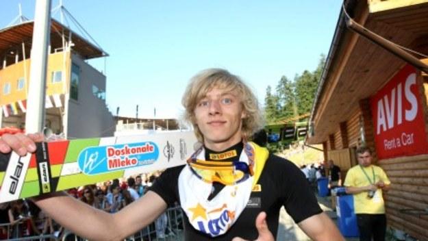 Pierwszy skok oddał w wieku 6 lat.  Jeden z najbardziej utalentowanych młodych polskich zawodników. Na mistrzostwach świata juniorów w Hinterzarten wywalczył 5. miejsce.