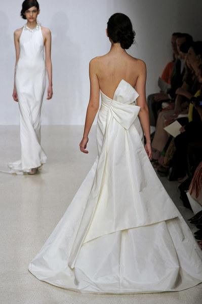 Kolekcja sukien ślubnych jednego z największych domów mody - Amsale