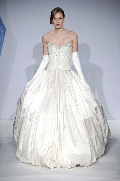 Kolekcja sukine ślubnych Marka Zunino