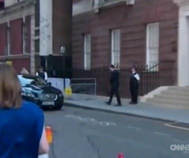 Posłaniec z wiadomością o narodzinach wyruszył do Pałacu Buckingham!