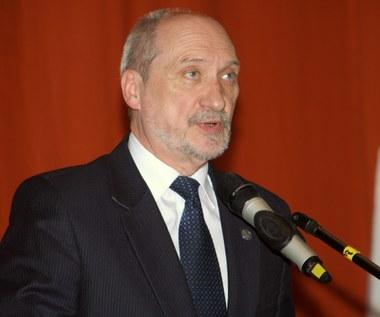 Macierewicz: Działania prokuratorów wołają o pomstę do nieba
