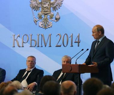 """Putin na Krymie o """"bratobójczym konflikcie"""". Słychać było strzępy wypowiedzi"""
