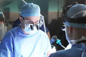 Zobacz trailer: Ręka chirurga