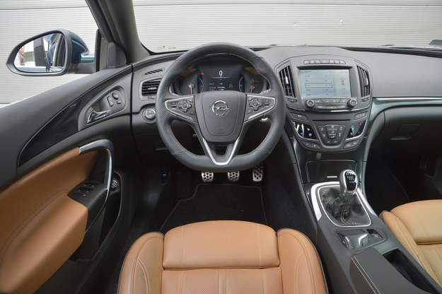 opel insignia country tourer 2 0 turbo 4x4 test. Black Bedroom Furniture Sets. Home Design Ideas