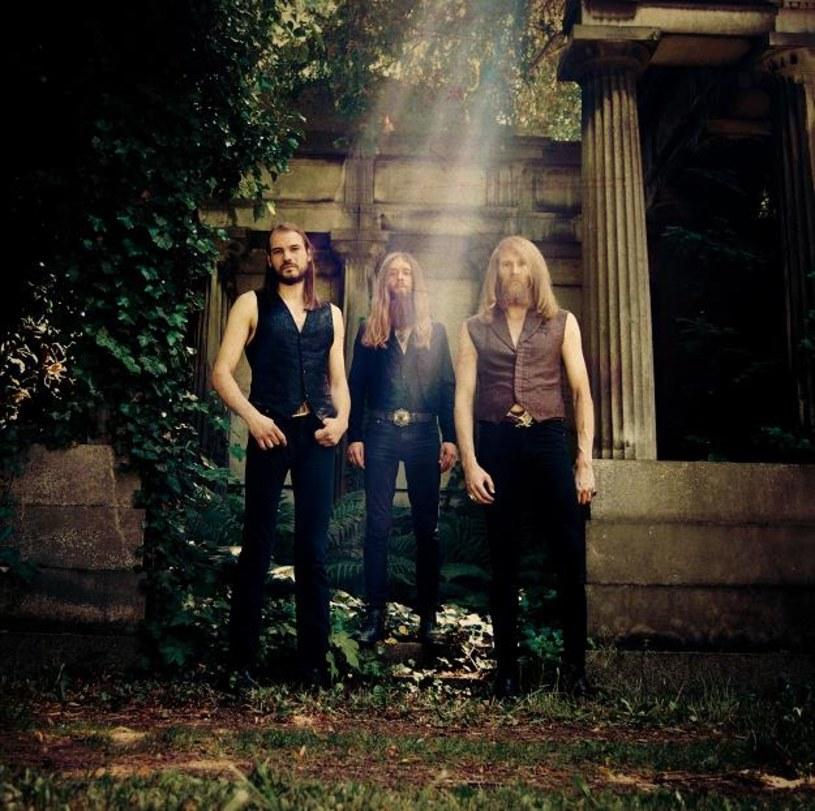 Na początku listopada do Polski powróci berlińskie trio Kadavar. Niemcom towarzyszyć będą grupy Mantar i Death Alley.