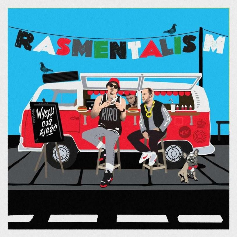 Legalny debiut Rasmentalismu w 2013 roku stał się niemałą sensacją i zjednał duetowi spore grono nie tylko stricte rapowych fanów. Obawy związane z drugą płytą były bezpodstawne - Ras i Ment XXL udowodnili, że polski hip hop ich potrzebuje, a oni potrafią temu zapotrzebowaniu sprostać.