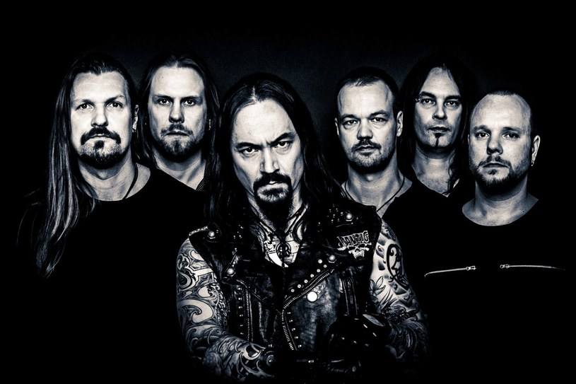 """Pod koniec sierpnia nowy album """"Under The Red Cloud"""" promować będą u nas Finowie z Amorphis."""