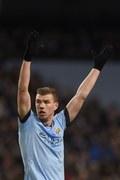 Edin Dżeko nie chce opuszczać Manchesteru City