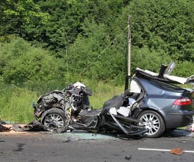 Trzy osoby ranne w wypadku na zakopiance: Stan jednej poważny