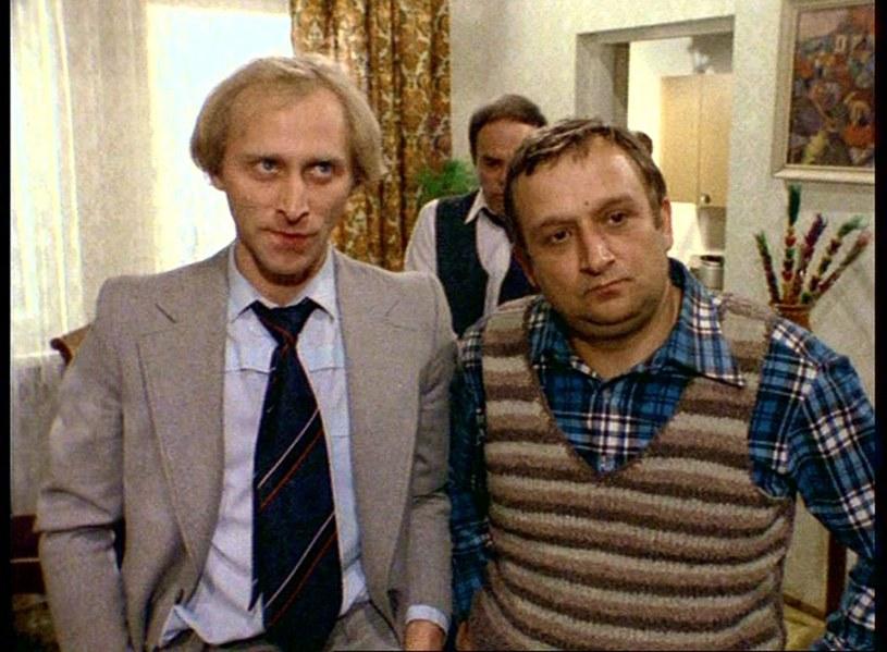 Kto wie, może dźwigowy Kotek, którego Kazimierz Kaczor grał u Stanisława Barei, był miłym człowiekiem? Niestety, nie mogliśmy się o tym przekonać - konieczność dzielenia mieszkania z Kołkiem sprawiała, że stawał się złośliwy.