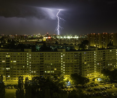Burze i wichury nad Polską. Są ostrzeżenia pierwszego stopnia
