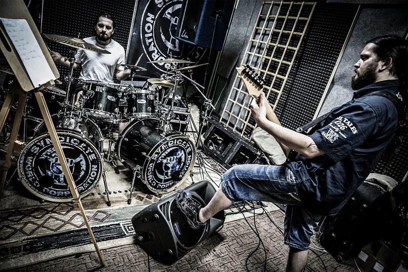 """Tuż po zakończeniu kwietniowej trasy """"Void Over Balkans Tour 2015"""" zespół Thy Disease, rozpoczął prace nad następcą """"Costumes of Technocracy""""."""