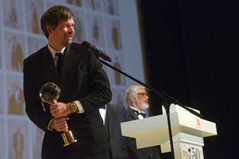 """Amerykański film """"Bob and the Trees"""" reżyserowany przez Francuza Diego Ongaro zdobył w sobotę Kryształowy Glob - główną nagrodę na 50. Międzynarodowym Festiwalu Filmowym w Karlowych Warach."""