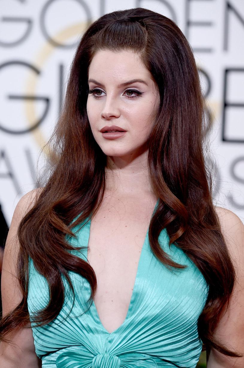 """We wrześniu ma się pojawić nowa płyta Lany Del Rey. Wokalistka zaprezentowała tytułowy singel z albumu """"Honeymoon"""", który w ciągu doby zanotował ponad 2 mln odtworzeń."""