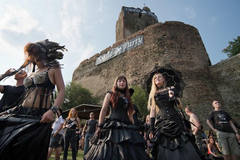 W Bolkowie (Dolnośląskie) trwa 22. edycja Castle Party - jeden z największych festiwali muzyki gotyckiej w Europie Środkowo-Wschodniej.