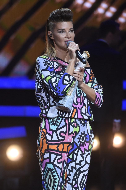 """Edyta Górniak na jubileusz 25-lecia kariery przygotowuje sporo niespodzianek w ramach koncertowej """"LoVe 2 LoVe"""". Ważnym elementem będą zaskakujące duety gwiazdy z innymi wykonawcami. Wokalistka potwierdziła, że w jednym z nich wystąpi z Ewą Farną."""