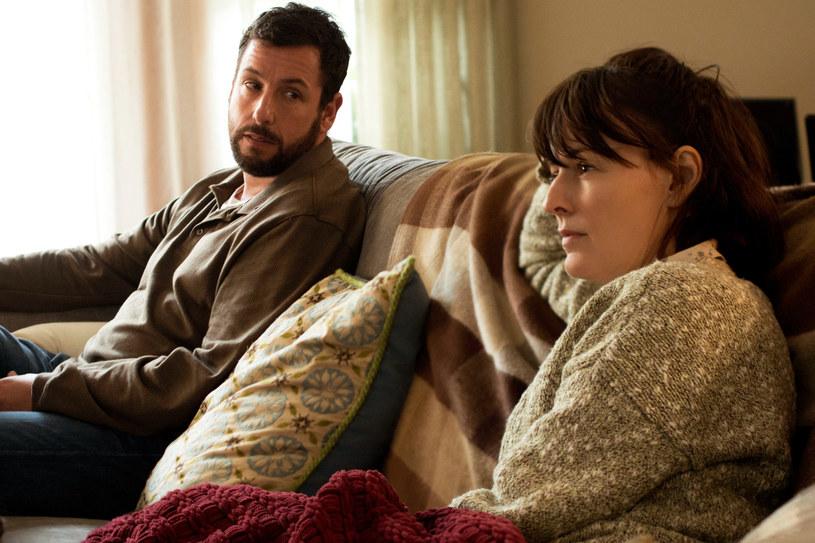 """2 sierpnia na antenie HBO polską premierę będzie miał film Jasona Reitmana """"Uwiązani"""". To łyskotliwe kino o współczesnych nastolatkach i ich zmieniających się w nowoczesnym świecie relacjach z rodzicami - reklamuje produkcję HBO."""