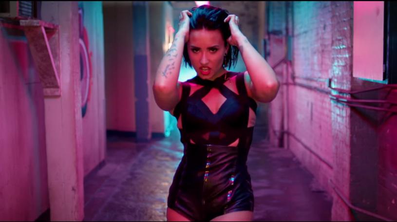 """W sieci pojawił się najnowszy klip Demi Lovato do utworu """"Cool For The Summer""""."""