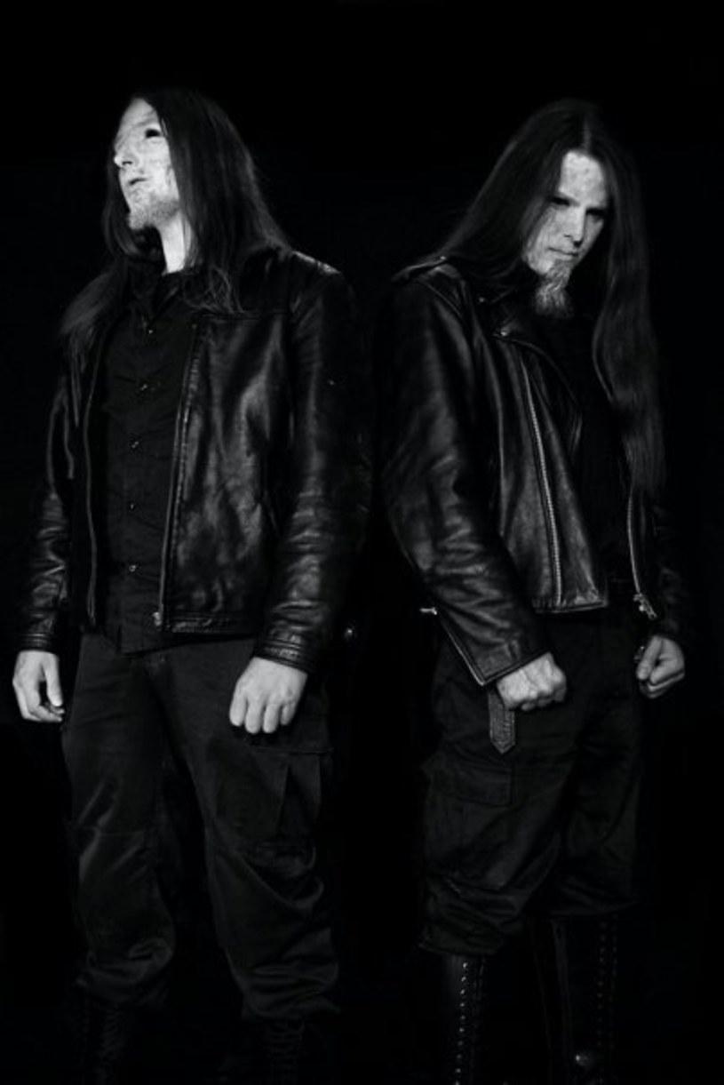 """Blackmetalowy projekt VI z Francji nagrał debiutancki album """"De Praestigiis Angelorum""""."""