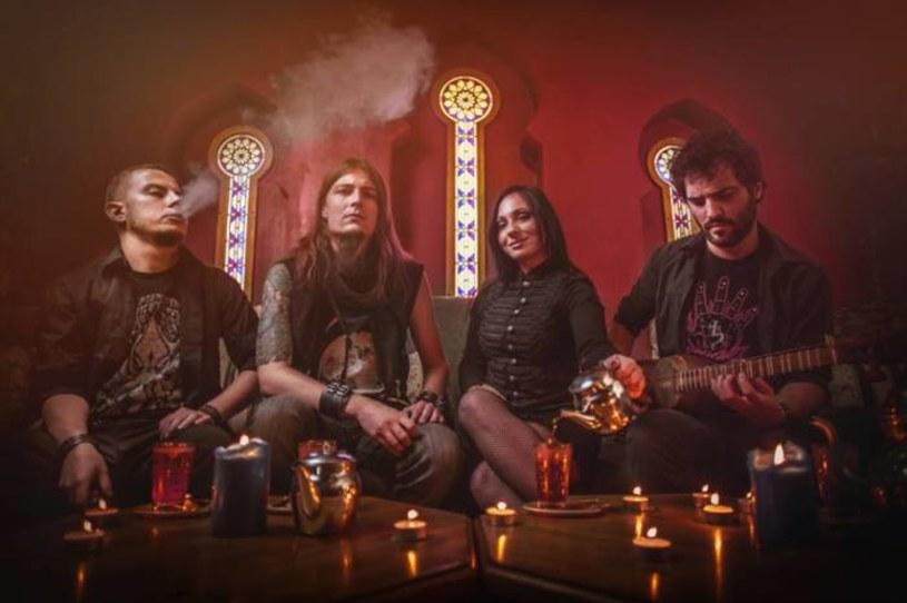 Krakowska grupa Saratan ujawniła pierwsze szczegóły czwartej płyty.