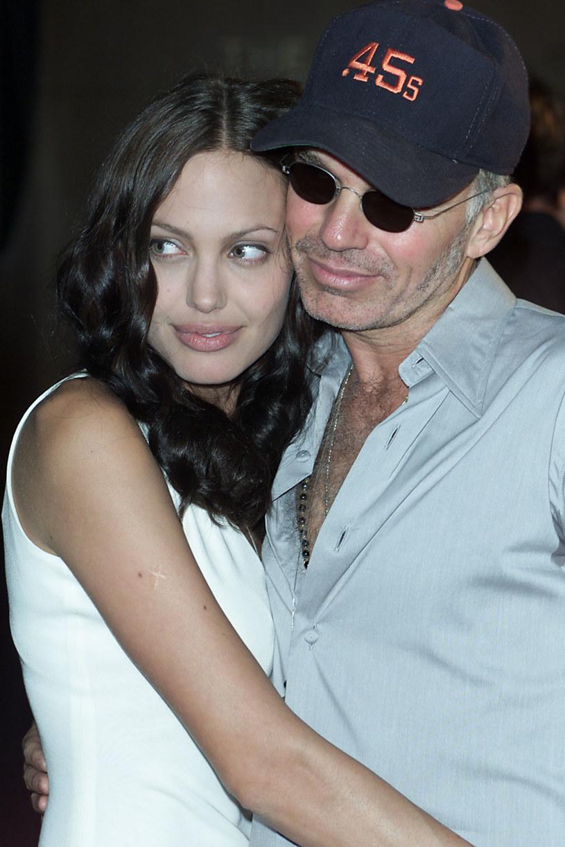 Życie Billy'ego Boba Thorntona to prawdziwa mieszanka smaków. Jako mąż Angeliny Jolie na pewien czas stał się postacią z pierwszych stron bulwarowych magazynów. Wcześniej, jako młody chłopak był gwiazdą lokalnej drużyny baseballowej. Rzadziej myśli się o nim jako wziętym scenarzyście i reżyserze. We wtorek, 4 sierpnia, swoje 60. urodziny obchodzi aktor, który jak sam żartobliwie przyznaje, jest najbardziej znanym człowiekiem o imieniu Billy Bob.