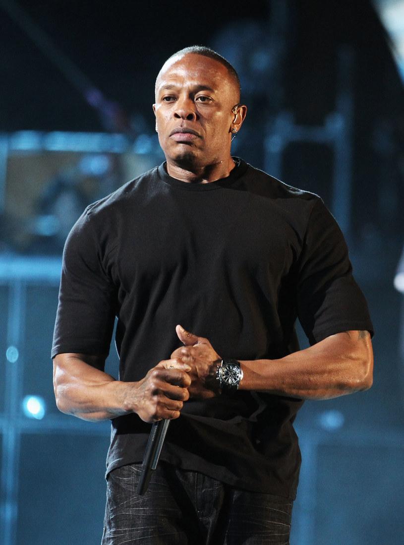 """Pogłoski na temat nowego albumu legendarnego rapera potwierdziły się w stu procentach. 7 sierpnia do sprzedaży trafi album """"Compton""""."""