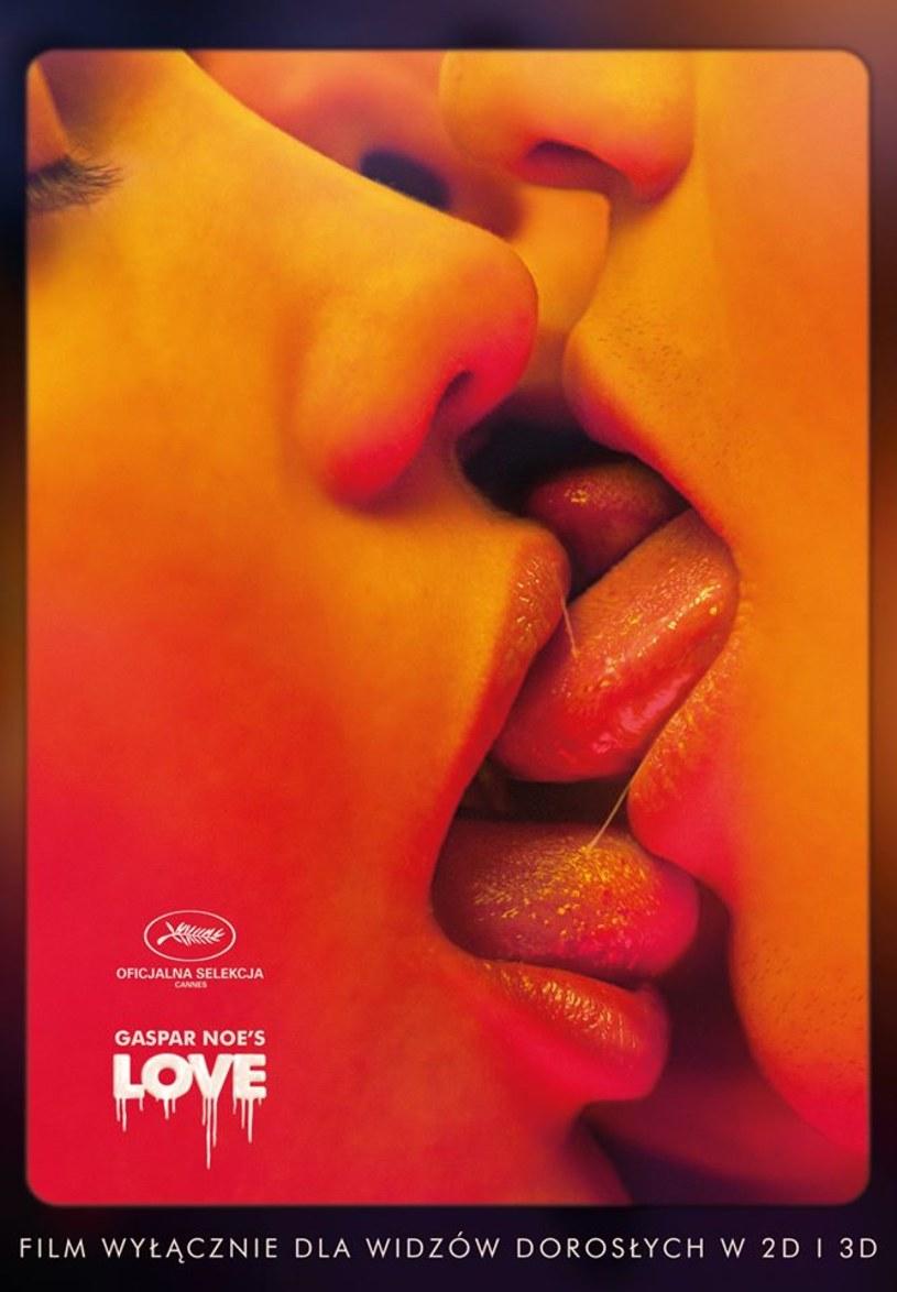 """Dystrybutor Gutek Film zaprezentował polski plakat filmu """"LOVE"""" w reżyserii Gaspara Noé. Obraz trafi na ekrany kin 28 sierpnia."""