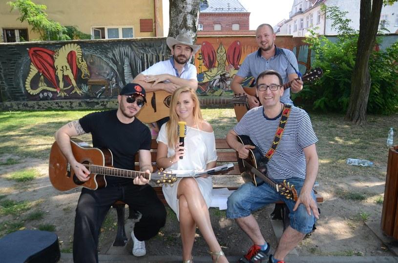 Grupa Blue Cafe to kolejny wykonawca, który bierze udział w letniej akcji RMF FM - Koncert za jeden uśmiech.