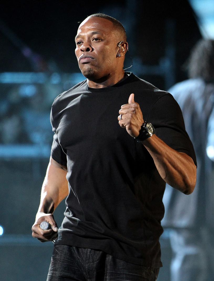 """Amerykański raper Dr. Dre odniósł się do sytuacji z jego przeszłości, w której zaatakował dziennikarkę Denise """"Dee"""" Barnes oraz do zarzutów znęcania się, jakie wystosowała wobec niego jego była dziewczyna Michel'le Toussaint."""