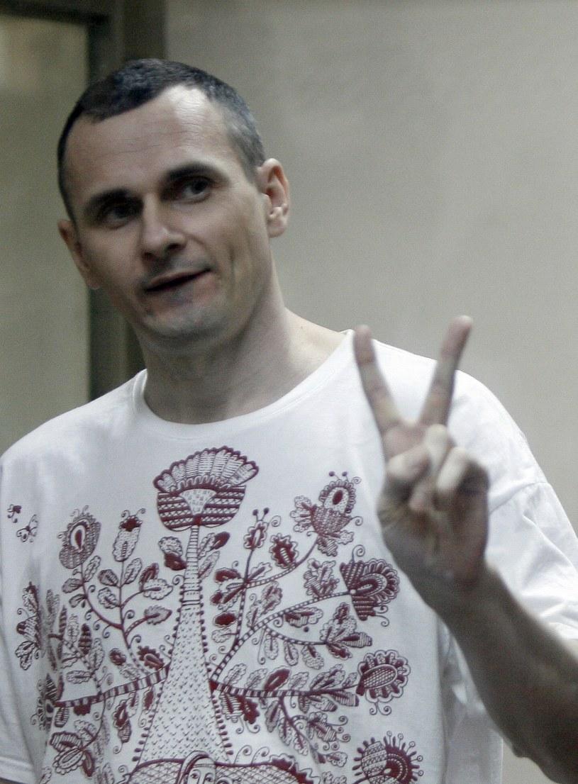"""Za """"oburzające i """"smutne"""" oraz za przejaw """"nadużycia prawa"""" uznali polscy twórcy skazanie przez rosyjski sąd ukraińskiego reżysera i uczestnika Majdanu Ołeha Sencowa na 20 lat łagru. Wcześniej artyści apelowali do władz Rosji o uwolnienie Sencowa."""