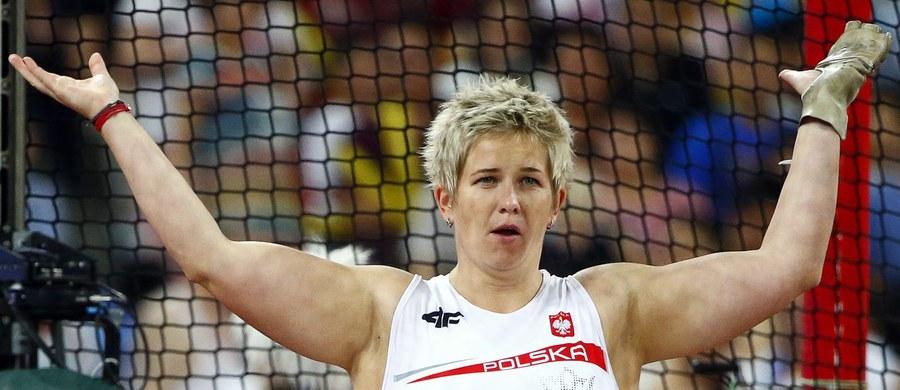 """""""Anita wyprzedza rywalki o jedną albo i dwie epoki"""" - ocenia były mistrz olimpijski w rzucie młotem Szymon Ziółkowski. I dodaje, że nie ma nic piękniejszego niż możliwość obserwowania młodszych następców, których stać na tak znakomite rezultaty."""