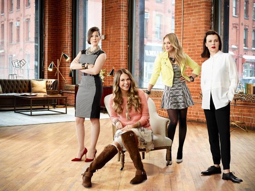 """Serial """"Younger"""" - najnowsze dzieło Darrena Stara, twórcy takich hitów, jak """"Seks w wielkim mieście"""" oraz """"Beverly Hills 90210""""  -debiutuje w poniedziałek, 31 sierpnia, na antenie TLC. Produkcję będzie można oglądać w poniedziałki i wtorki o godz. 20."""