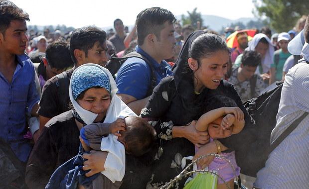 Nie jesteśmy przygotowani na napływ fali syryjskich uchodźców na polskie granice - mówią anonimowo reporterowi RMF FM Krzysztofowi Zasadzie funkcjonariusze Straży Granicznej. Twierdzą, że na południu jest za mało ludzi, by odpowiednio zabezpieczyć granice.