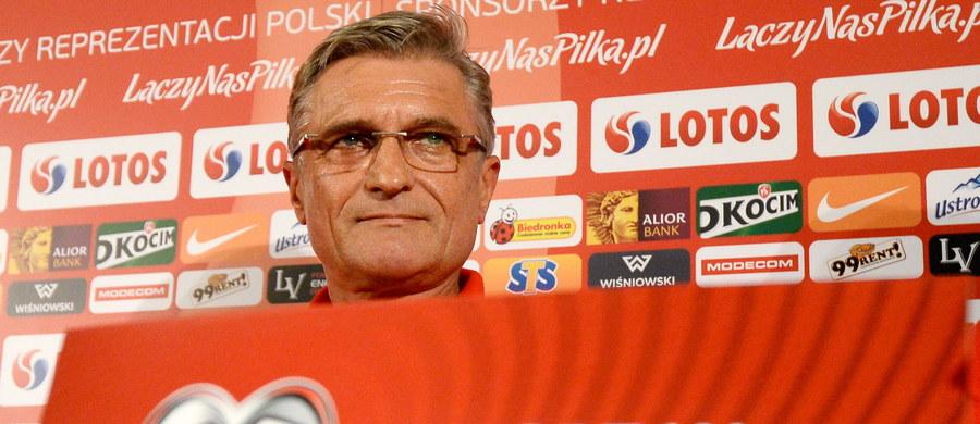 """Presja nie jest dla nas problemem. Jeśli ma wpływ, to tylko pozytywny - podkreślał selekcjoner polskiej kadry Adam Nawałka na konferencji prasowej dzień przed meczem swoich piłkarzy z Niemcami w eliminacjach Euro 2016. """"Nasza sytuacja jest stabilna, ale w dalszym ciągu potrzebujemy punktów. Będziemy grać o jak najlepszy wynik"""" - zapewnił."""