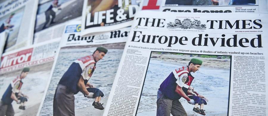 Kanada znalazła się w ogniu ostrej krytyki. Rząd tego kraju miał odmówić azylu rodzinie chłopca, którego ciało wyrzuciło morze na brzeg w Turcji. Teraz Kanada proponuje ojcu zmarłego 3-latka azyl. Mężczyzna nie przyjął propozycji.