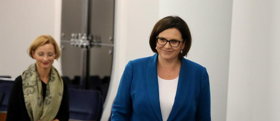 """Szefowa Kancelarii Prezydenta Małgorzata Sadurska decyzję senatorów o niewyrażeniu zgody na październikowe referendum oceniła jako """"polityczną"""". """"Jest nam bardzo przykro, że w Senacie nie odżył duch demokracji"""" - podkreśliła."""