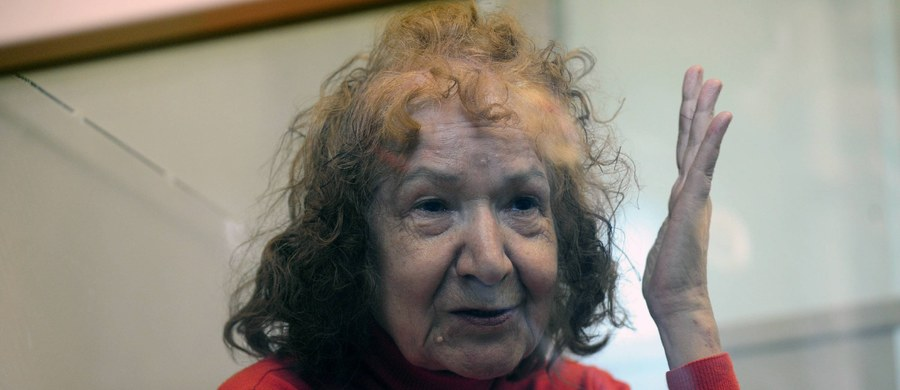 """Nowe, przerażające szczegóły zbrodni popełnionej przez 68-letnią Tamarę Samsonovą, przez media nazywaną """"Babcią Rozpruwacz"""". W toku policyjnego śledztwa wyszło na jaw, że kobieta, która jest podejrzana o 11 morderstw, dopuściła się brutalnego zbezczeszczenia zwłok swojej ofiary."""