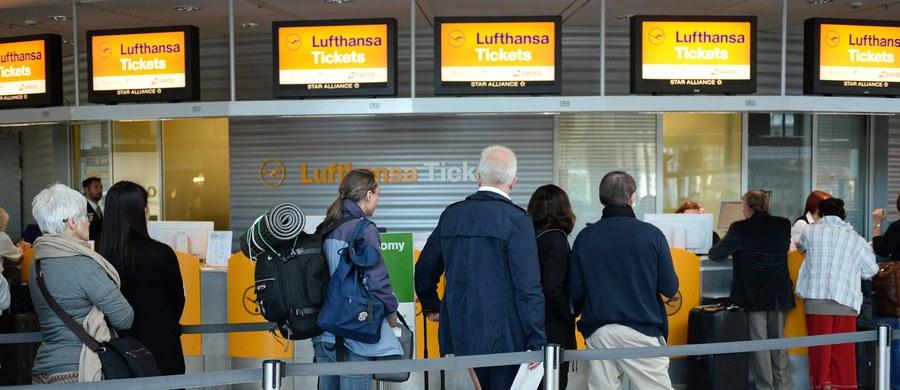 Około 1000 lotów na krótkich i średnich trasach zostało odwołanych w drugim dniu strajku pilotów niemieckich linii lotniczych Lufthansa. Oznacza to kłopoty dla 140 tysięcy pasażerów. Piloci grożą zaostrzeniem protestu.