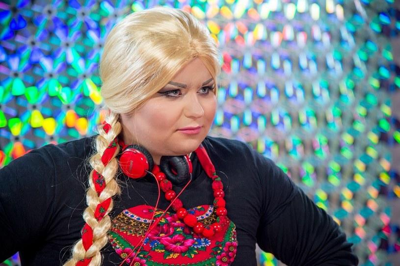 """Scena """"Must Be The Music"""" jest otwarta dla wszystkich. W niedzielnym (13 września) odcinku na scenie talent-show Polsatu w roli drag queen zadebiutuje Samanti."""