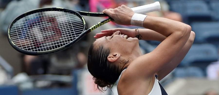 Włoszka Flavia Pennetta jako pierwsza awansowała do finału wielkoszlemowego turnieju US Open w Nowym Jorku. 33-letnia tenisistka niespodziewanie gładko pokonała rozstawioną z numerem drugim Rumunkę Simonę Halep 6:1, 6:3. To jej największy sukces w karierze.