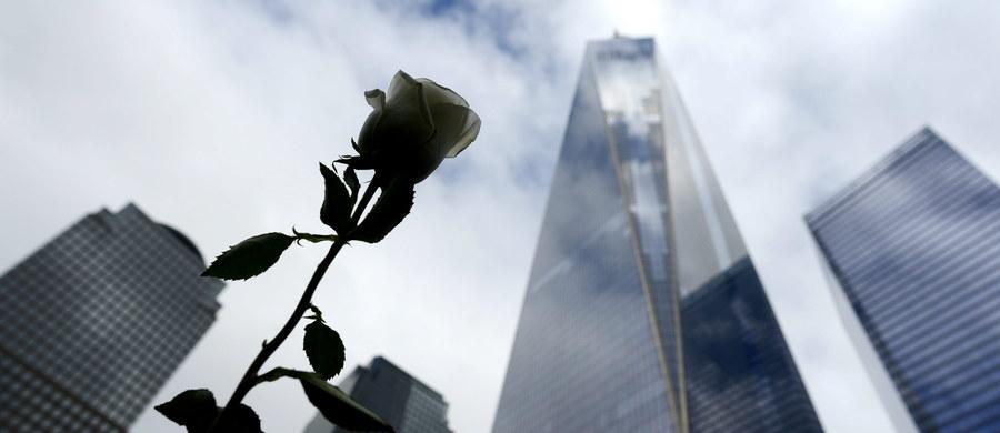 Podobnie jak miliony Amerykanów prezydent Barack Obama uczcił minutą ciszy pamięć ofiar zamachów z 11 września 2001 roku. W atakach w Nowym Jorku i Waszyngtonie zginęło wówczas blisko 3 tys. osób.