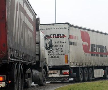 Mierzęcice: Protestują, by ograniczyć ruch ciężarówek