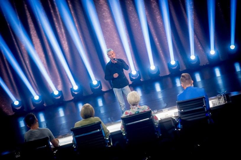 """W najbliższym odcinku """"Must Be The Music"""" (niedziela 20 września) pojawi się uczestnik z niemal identyczną barwą głosu jak Michał Wiśniewski."""
