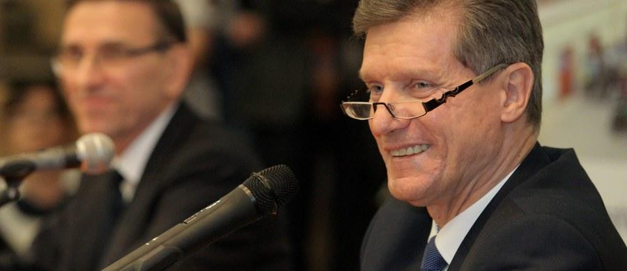 5 lat więzienia dla b. prezydenta Olsztyna Czesława Małkowski oskarżonego o gwałt i molestowanie - taki wyrok wydał sąd rejonowy w Ostródzie w województwie warmińsko-mazurskim. Czesława Małkowski był oskarżony o molestowanie urzędniczek i zgwałcenie jednej z nich, będącej w ciąży. Proces byłego prezydenta Olsztyna toczył się za zamkniętymi drzwiami.