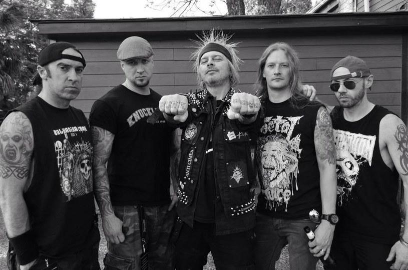Legendarna brytyjska grupa Extreme Noise Terror ujawniła szczegóły premiery nowej płyty.