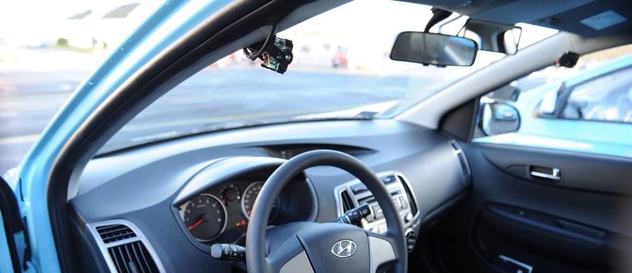 Coraz więcej kierowców zapisuje się na kursy redukujące punkty karne. Od stycznia bowiem zmieniają się przepisy. Pozbycie się punktów będzie dużo trudniejsze i droższe.