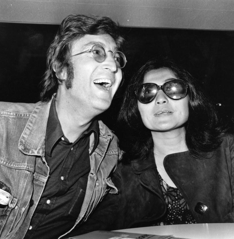 W sieci pojawiło się wideo z koncertu The Beatles z 1960 roku. Na nagraniu widać, jak John Lennon naśladuje zachowania ludzi upośledzonych.